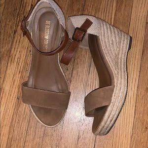 Woman wedges 8.5